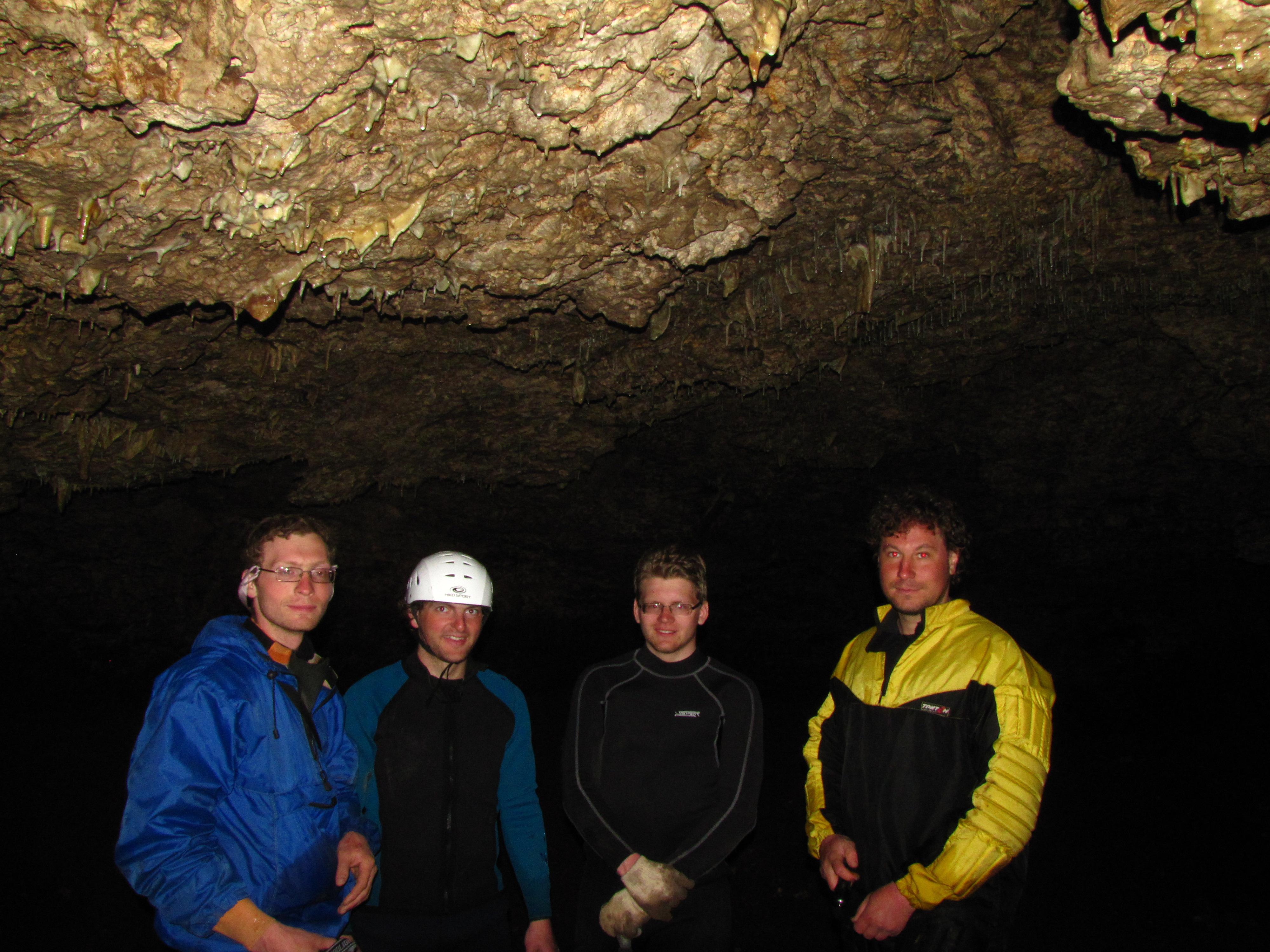 31. Пещера около Атыша